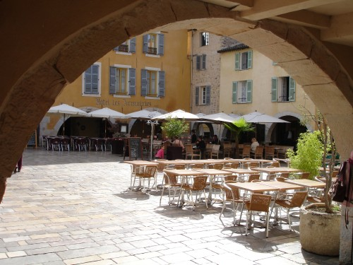 Cafe des Arcades Valbonne Village Cote d'Azur