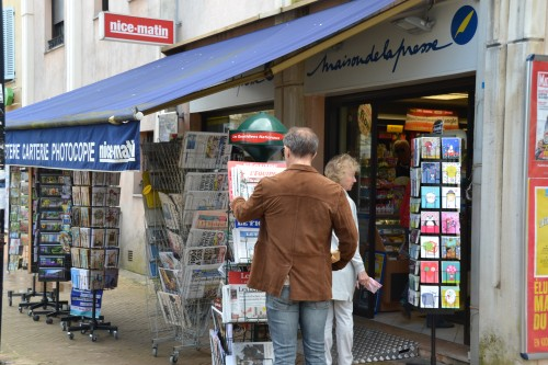 Newspaper shop Valbonne Cote d'Azur