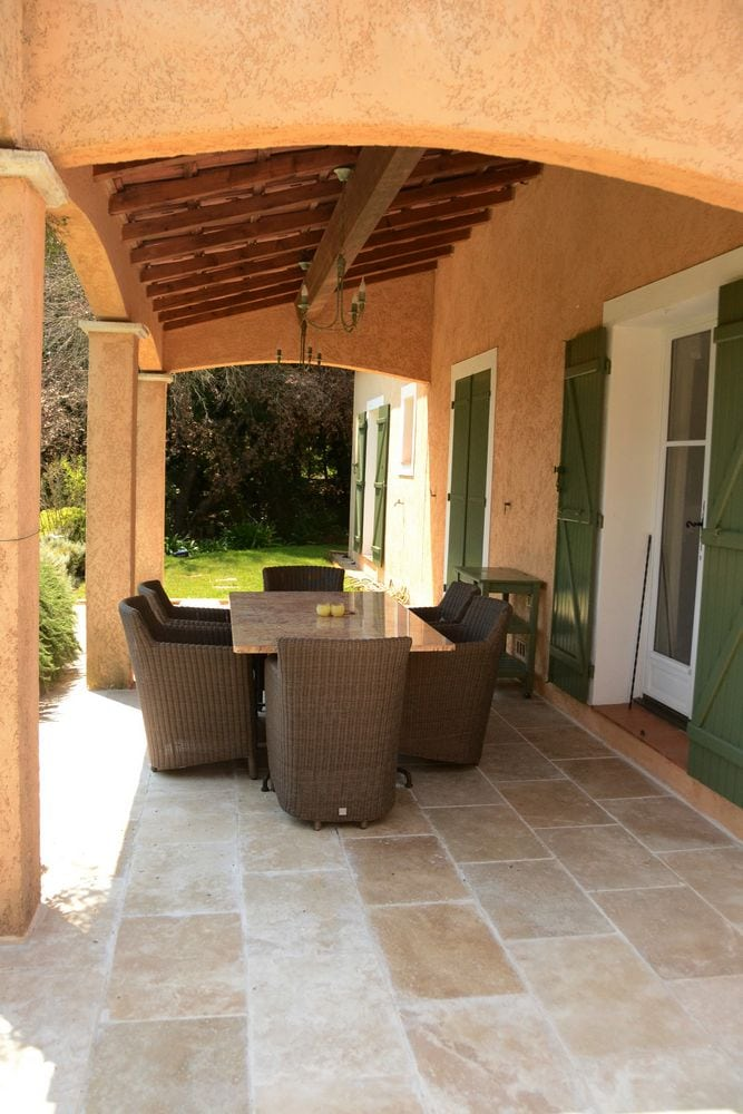Villa Valbonne - holiday home with private pool sleeps 6P