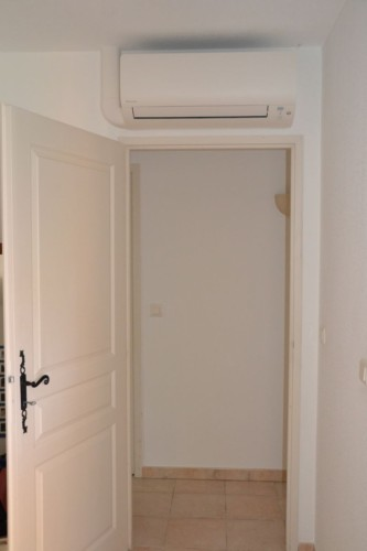 Air conditioning in Villa Valbonne bedrooms
