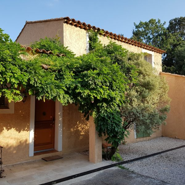 Entrance Villa Valbonne Cote d'Azur - Holiday home South of France