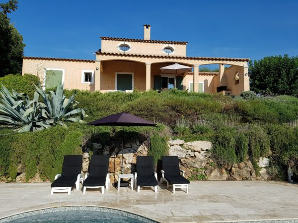 Rent Villa Valbonne 3 bedrooms private pool at Domaine Val d'Azur