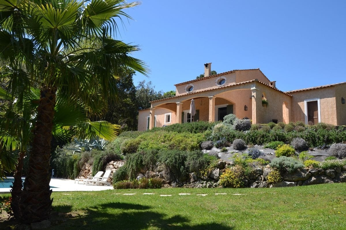 Valbonne holiday rental with swimming pool