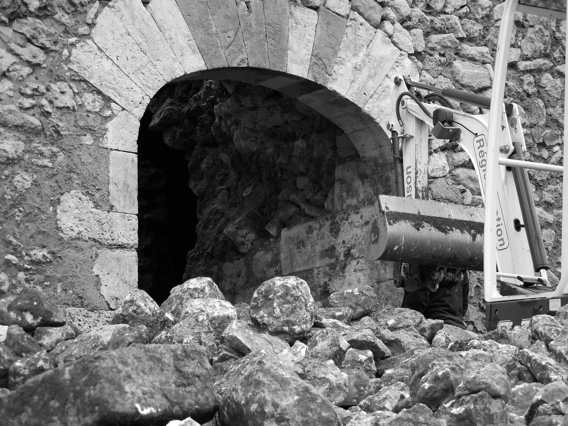 Castle renovation Dordogne France - Chateau de Clerans Bergerac