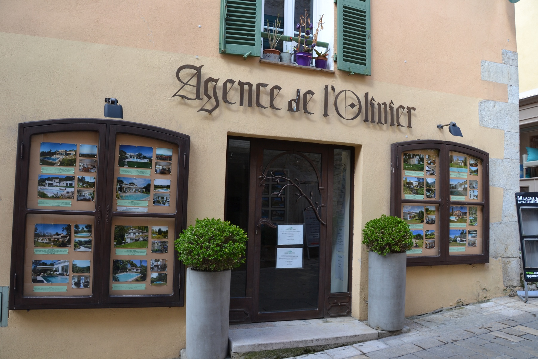Real estate agency Valbonne South of France - Agence de l'Olivier