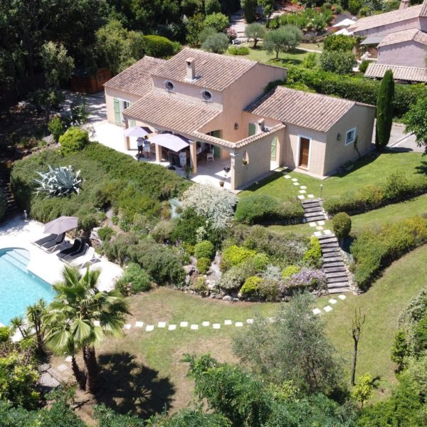 Holiday villa with pool Valbonne Cote d'Azur - drone photos