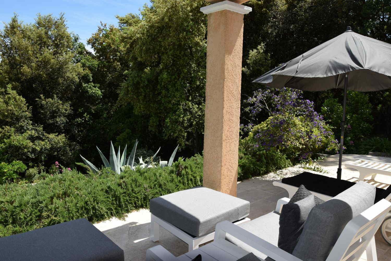 Nieuwe Buitenhof Lounge Stoelen Vakantiehuis Villa Valbonne
